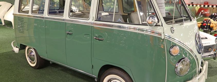 1965 Volkswagen 21-Window Deluxe Microbus