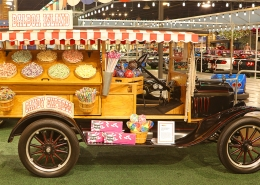 1925-Ford-Model-T-Custom-Candy-Truck
