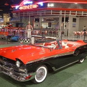 1957-Ford-Fairlane-Sunliner-Convertible