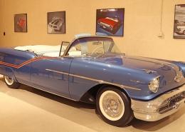 1957-Oldsmobile-98-Starfire-Convertible